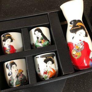 NIB GORGEOUS PORCELAIN JAPANESE SAKE SET NEW!